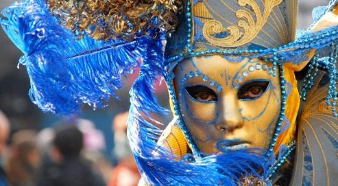 Alginatnaya le masque autour des yeux